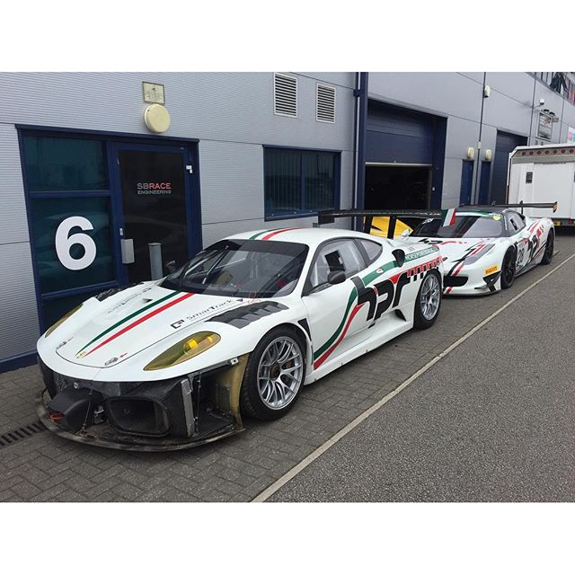 Team colours at the workshop! #sbraceengineering #458challenge #430gtc #micheloto #ferrari #notred