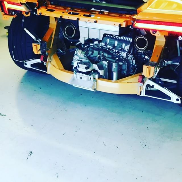 Lots of room for the turbos! #lamborghini #huracan #orange #sbraceengineering #specialist #turbo #wouldbenice #f12 #ferrari