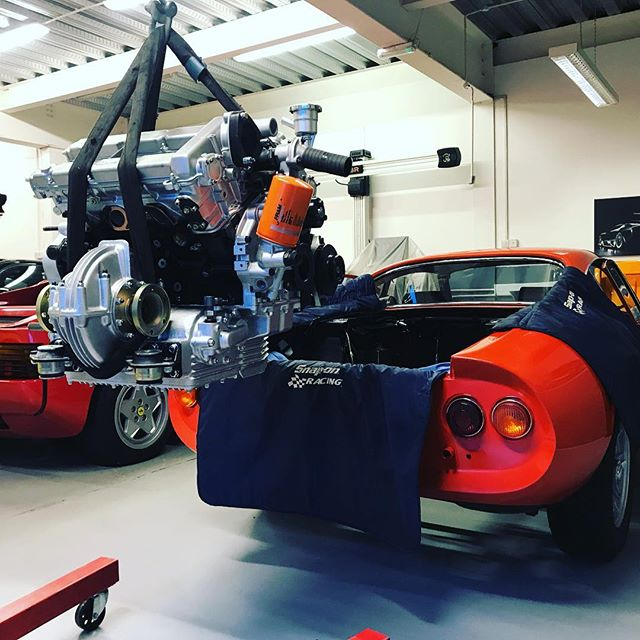 Engine in the Dino! It's been a long time coming! A very early series 1 car, lots of bits had to be made!! #ferrari #rossodino #246dino #series1 #enginerebuild #restoration #sbraceengineering #sbrace #specialists