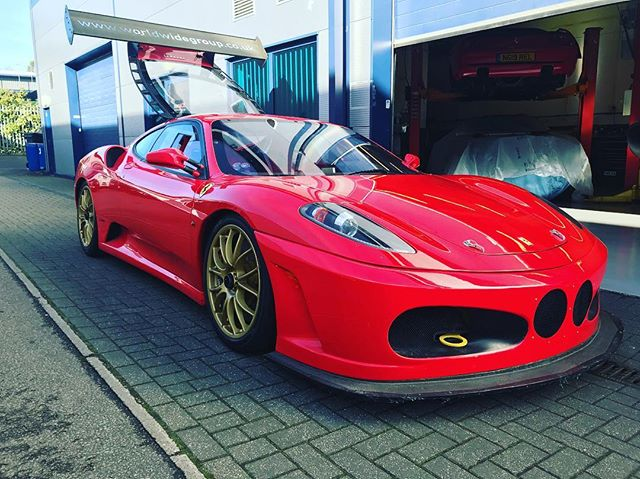 One of our old race cars pulled out of storage to do the odd track day. Not a competitive car anymore but an easy fun track day car...#430challenge #ferrariownersclub #britcar #backintheday #ferrarispecialist #ferrari #430 #red #ferrariracing #sbraceengineering #thesupercarsquad #supercarsoflondon #racing #stilllooksgood