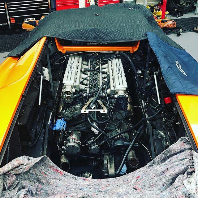Diablo engine finally back in its hole! #lamborghini #diablo #vt #6litre #orange #sbraceengineering #specialists